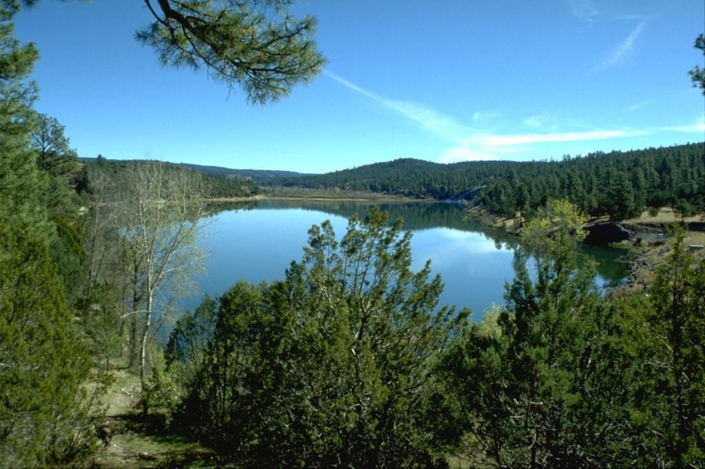 Lake_Roberts